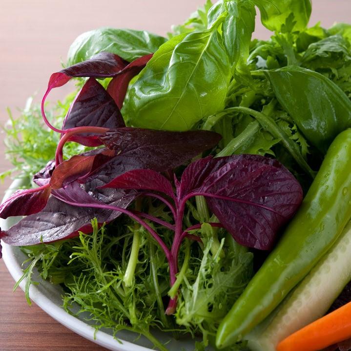 赤坂田町通りにあるサムギョプサルと新鮮野菜が楽しめる「やさい村大地 赤坂田町通り店」の「新鮮な季節の野菜」の画像