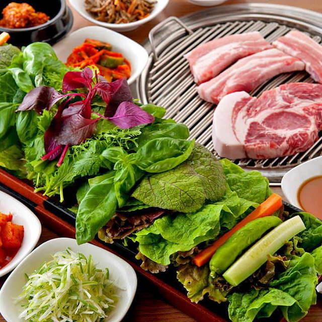 赤坂田町通りにあるサムギョプサルと新鮮野菜が楽しめる「やさい村大地 赤坂田町通り店」の「サンパ」の画像