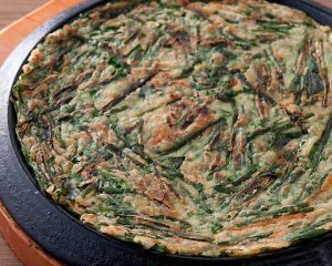 ニラチヂミ 赤坂のサムギョプサルが美味しい韓国料理店「やさい村大地赤坂田町通り店」
