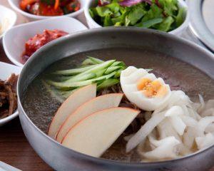 冷麺|赤坂のサムギョプサルが美味しい韓国料理店「やさい村大地赤坂田町通り店」